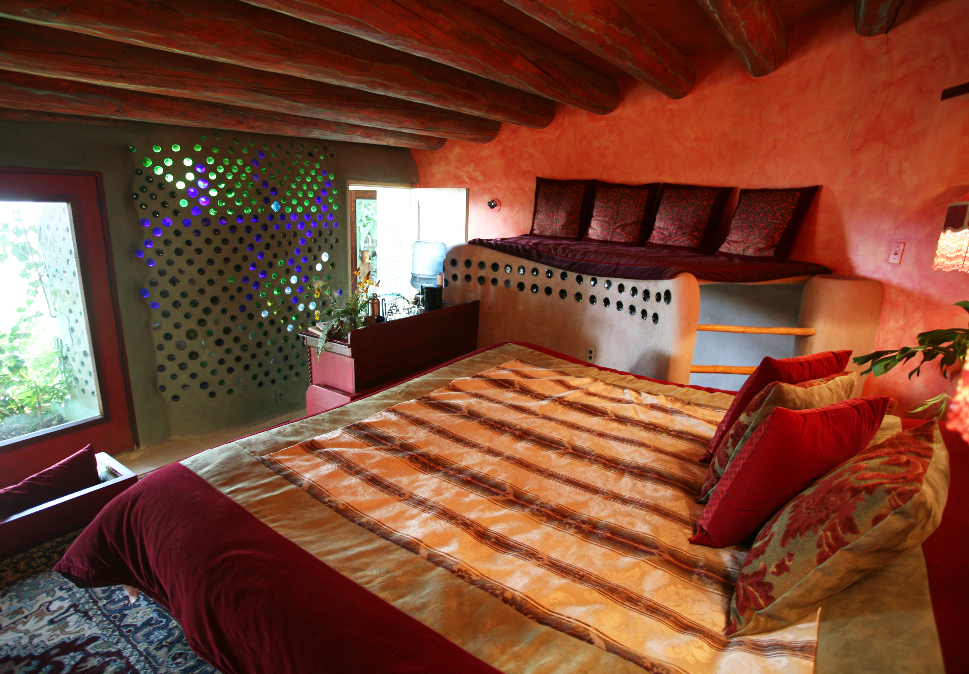 7 earthship rentals taos new mexico usa hungrycityhippy for Cabins in taos nm